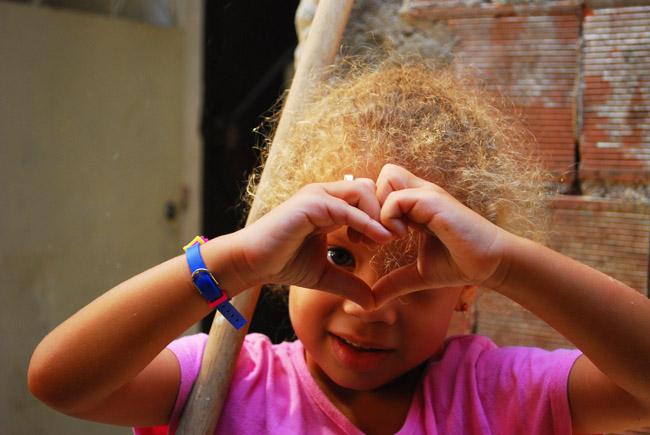 Menina da Favela Dona Marta - Rio de Janeiro