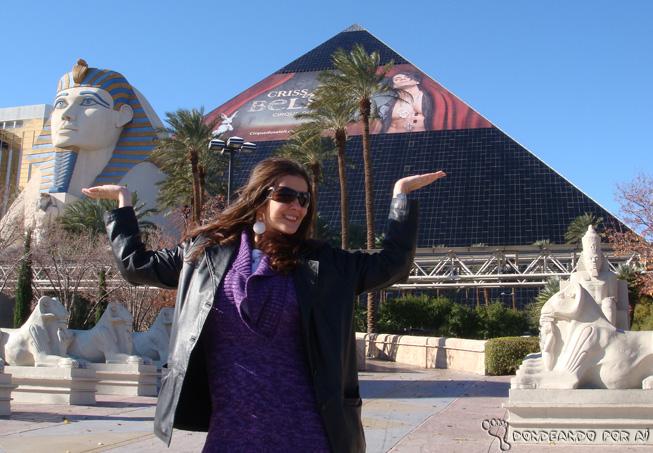 Imitando dança egípcia em LAs Vegas