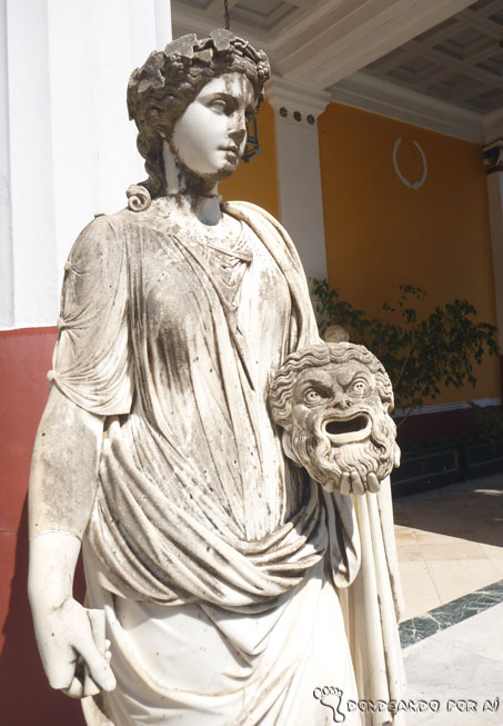 estatuasgreciailhadecorfupalacioaquileion