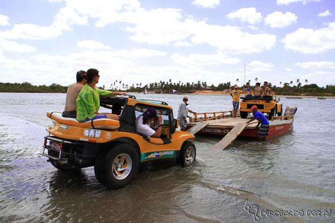 Atravessando o rio em direçãoa  Camocim
