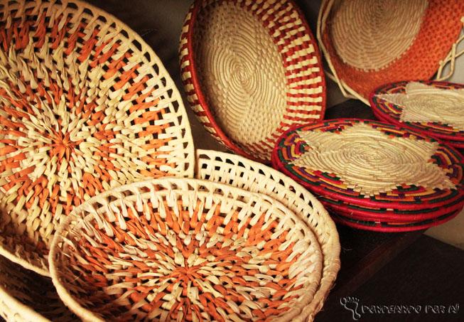 Artesanato - cestos feitos de folhas de Carnaúba