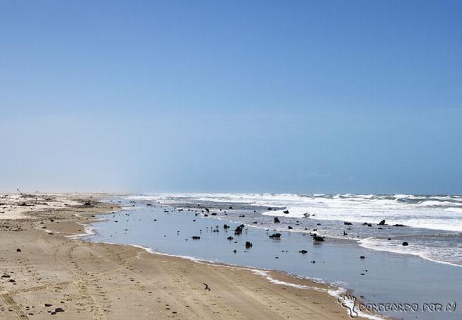 praias selvagens no caminho para os pequenos lençois maranhenses