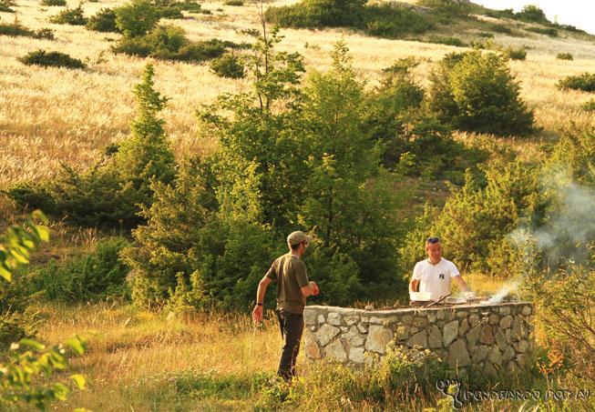 Assando o pão nos campos de Norcia
