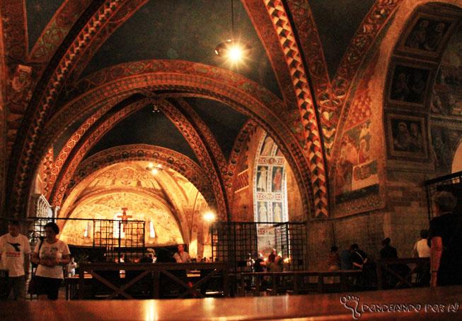 Basílica de Assis por dentro