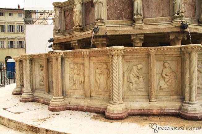 Detalhes do Chafariz de Perugia