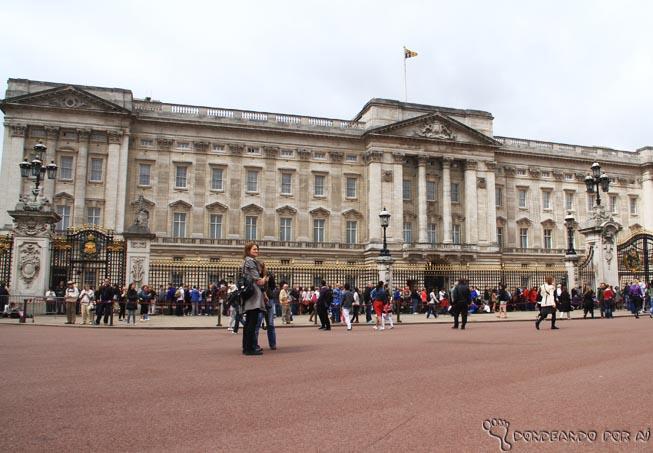 Inglaterra Palácio de Buckingham lotando antes mesmo da troca da guarda