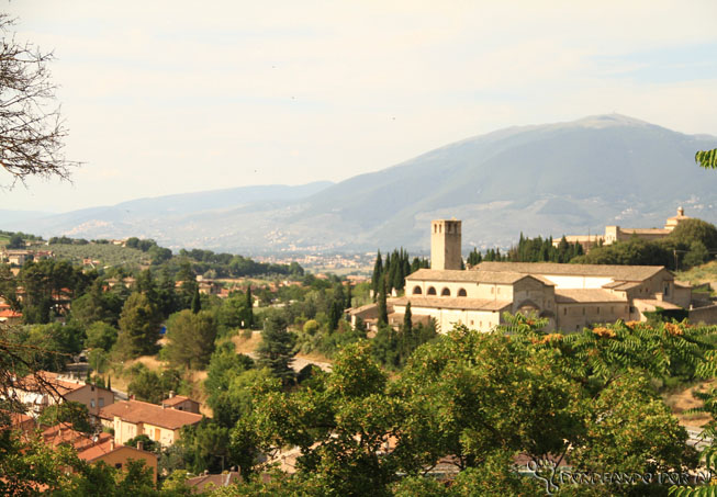 Vista da cidade de Spoleto do alto - Itália