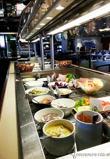 refeição_navio_hurtigruten_noruega
