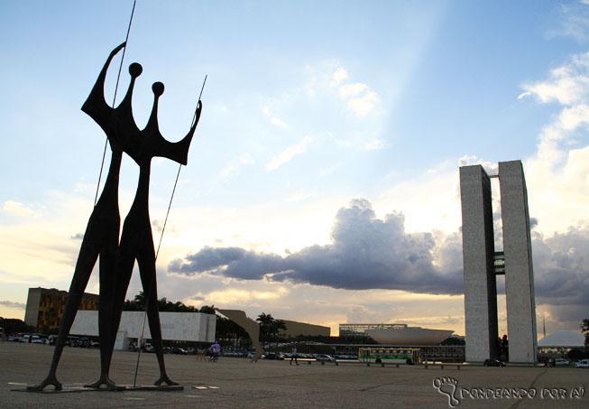 Congresso ao fundo por do sol brasilia