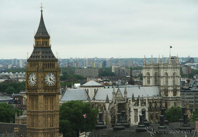 Vista do BigBen com a catedral de Westminster atrás Londres Inglaterra