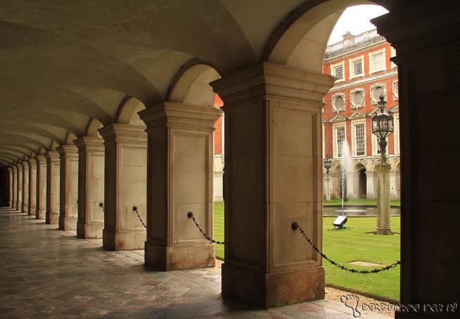 ba5b299b420 Hampton Court Londres4