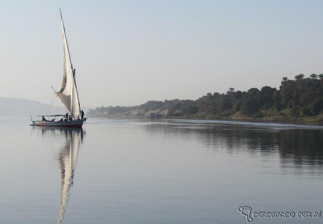 Que começar 2015 amanhecendo em uma fellucca, a embarcação dos antigos egípcios, pelo rio Nilo?