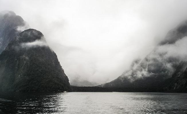 O Milford Sound que eu vi, num dia de chuva de novembro.
