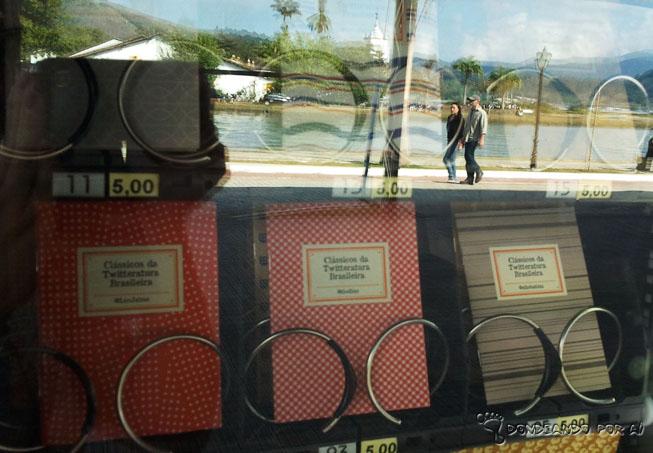 Detalhe das Vending Machines instaladas em Paraty durante a Flip